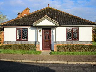 MAGGIES RETREAT, ground floor, enclosed garden, WiFi, in Briston, Ref 946554 - Briston vacation rentals