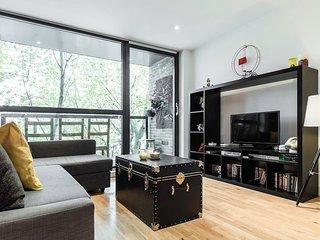Spacious 2 Bed Kings Cross, Sleeps 6 - London vacation rentals