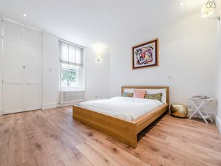 Bright Central London 2Bed/2Bath Flat (Maida Vale) - London vacation rentals