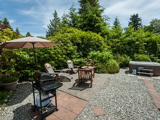 Surf Shack Cabin with Private Hot Tub at Chesterman Beach - Tofino vacation rentals