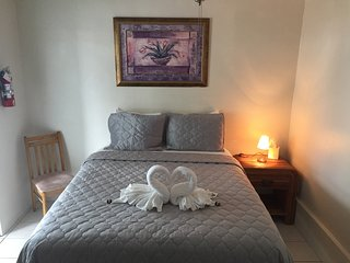 Private Room Common Bath $79 - Key Largo vacation rentals