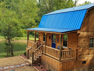 Butterfly Crosssing, hot tub, fishing/swimming pond, fire ring, Hocking Hills - McArthur vacation rentals