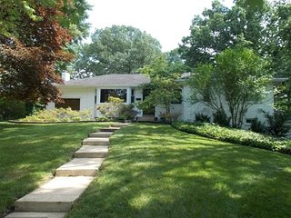 Furnished 4-Bedroom Home at Stockton Pkwy & Waterford Rd Fort Hunt - Mount Vernon vacation rentals