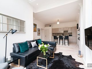 GowithOh - 21146 - Modern and bright 3 bedroom apartment - London - London vacation rentals