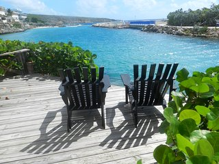 Perfect Condo with Deck and Television - Willemstad vacation rentals
