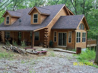 Nice Cabin with Deck and Satellite Or Cable TV - Sugar Grove vacation rentals