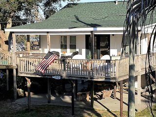 Best Location! 700 feet to deep water Folly River + 700 feet to waves on Beach! - Folly Beach vacation rentals