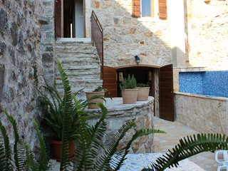 Traditional stone house and cottage in Vrbanj - Vrbanj vacation rentals