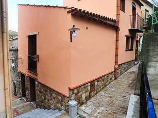 Bright 2 bedroom Vacation Rental in Collesano - Collesano vacation rentals