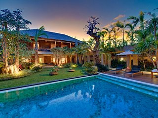 Marvelous 6 Bedrooms Private Villa Seminyak - Seminyak vacation rentals