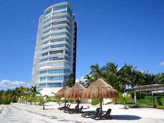 Tu Mirada al Mar Boutique Beachfront Tower & Spa - Cancun vacation rentals