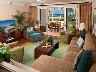 Direct Ocean View Beach Level 4-Bed (2 Master Suites) Villa Turtle Bay - Kahuku vacation rentals