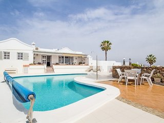 Villa Vispera - Tias, 3 Bedroom Detached Luxury Villa, Sleeps 6, Heated Pool. - Tias vacation rentals