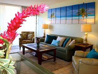 3 Bedroom 3 Bathroom Close to beaches and everything! Sleeps 8! Walk everywhere - Wailea vacation rentals