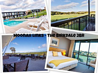 The Birkdale Newly Renovated Absolute Golf Frontage Luxury 2 Bedroom 2 Bathroom Dual Key Apartment - Fingal vacation rentals
