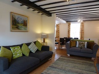Lovely 4 bedroom Keswick Cottage with Internet Access - Keswick vacation rentals