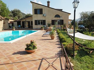 4 bedroom Villa with A/C in Pettineo - Pettineo vacation rentals
