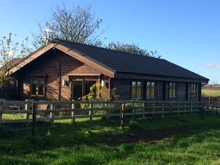 Beautiful 3 bedroom Cabin in Beadnell with Internet Access - Beadnell vacation rentals