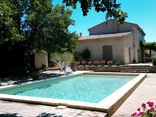 Magalas luxury villas France with pool and garden sleeps 10 (Ref: 940) - Magalas vacation rentals