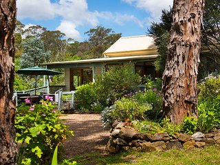 Lovely Hepburn Springs Cottage rental with A/C - Hepburn Springs vacation rentals
