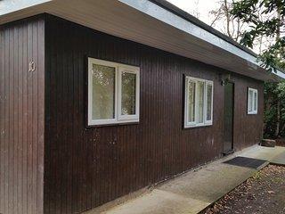 Luxury 3 bedroom log cabin no 10 - Finchhampstead vacation rentals