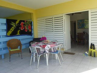 Gîte Mahogany en rez de jardin avec wifi - Sainte Anne vacation rentals