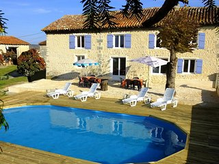 Beautifully converted barn with private pool. Grange Lapin. - Montboyer vacation rentals