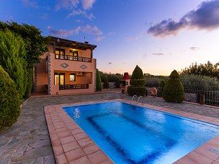 Villa Angelina, rustic luxury! - Panormo vacation rentals