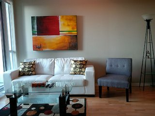 Downtown 2 Bedrooms Condo, next to harbour - Toronto vacation rentals