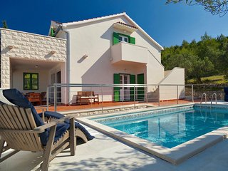 Panoramic Villa With Private Pool And Refreshing Garden - Sutivan vacation rentals