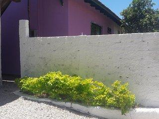 Casa 150 metros da praia p/4 pessoas - Pantano do Sul vacation rentals