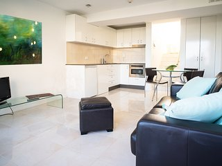 Manly Sunrise-Elevated apartment in center of town - Manly vacation rentals