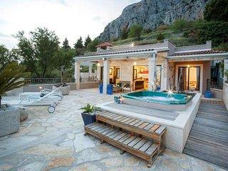 2 bedroom House with Internet Access in Makarska - Makarska vacation rentals