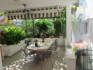Lovely 3 bedroom Makarska House with Internet Access - Makarska vacation rentals