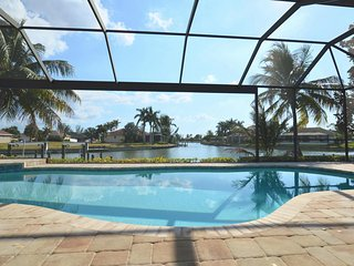 Villa Starview - Amazing waterview,4 bedroom, pool, spa,Gulf access - Cape Coral vacation rentals