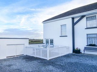 1 RIVER VIEW, countryside views, electric fire, WiFi, Carlow, Ref 948625 - Carlow vacation rentals