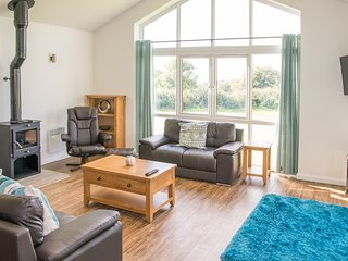 Sunflower, Stoneleigh Village located in Sidmouth, Devon - Sidmouth vacation rentals