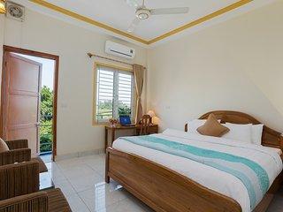 Comfortable 3 bedroom Hanoi Villa with Internet Access - Hanoi vacation rentals