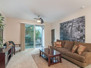 1BR Downtown San Diego Condo w/ Parking – Walk to Petco Park & Gaslamp - San Diego vacation rentals