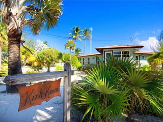 Perfect Villa with Deck and Internet Access - Grand Cayman vacation rentals