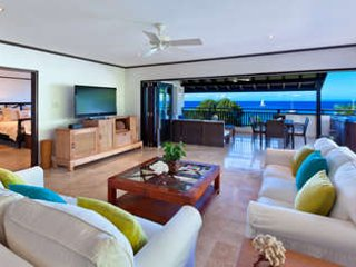 3 Bedroom Beachfront Penthouse in Paynes Bay - Image 1 - Paynes Bay - rentals