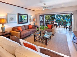 3 Bedroom Beachfront Apartment in Paynes Bay - Holder's Hill vacation rentals