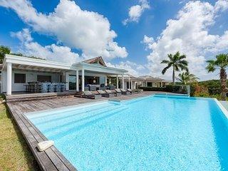Contemporary 3 Bedroom Villa in Terres Basses - Terres Basses vacation rentals
