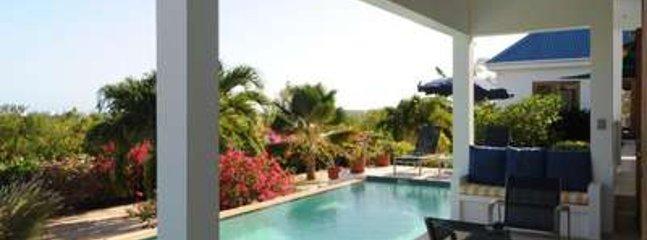 Contemporary 3 Bedroom Villa in Maundays Bay - West End vacation rentals