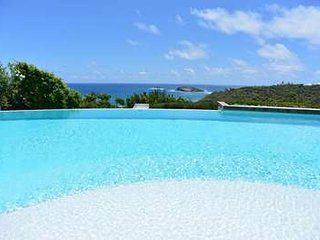 Lovely 4 Bedroom Villa in the Private Community of Pointe Milou - Pointe Milou vacation rentals