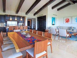 4 Bedroom Oceanfront Condo in Punta Mita - Image 1 - Punta de Mita - rentals