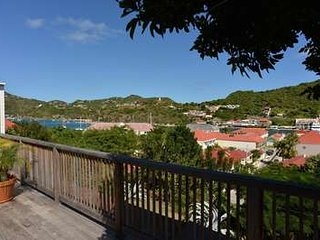 Alluring 2 Bedroom overlooking Gustavia Harbour - Gustavia vacation rentals