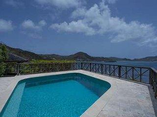 Comfortable 1 Bedroom Villa with Pool & Gazebo in Pointe Milou - Pointe Milou vacation rentals
