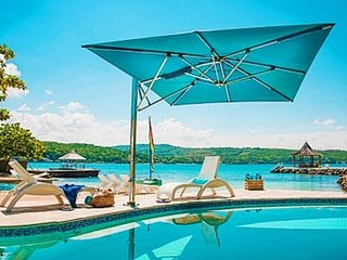 Stunning 9 Bedroom Villa in Discovery Bay - Discovery Bay vacation rentals