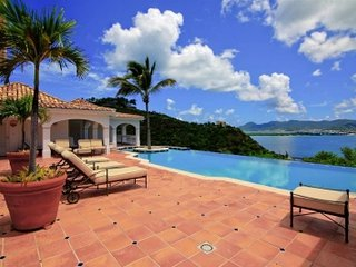 Cozy 5 Bedroom Villa in Terres Basses - Baie Rouge vacation rentals